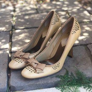Vintage 70's Linea Paolo Cream Bow Heels